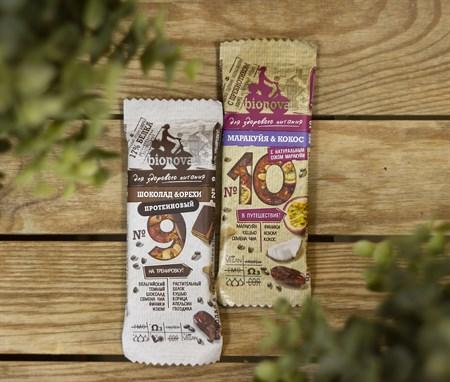 Батончики ™  Bionova  фруктово-ореховый с шоколадом и орехами 35 гр. - фото 8240