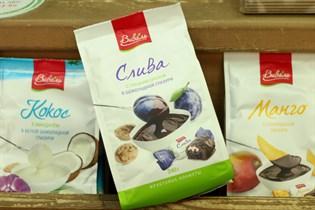 Конфеты ™  ГУД-ФУД  кокосовые с миндалем в белой глазури 240г