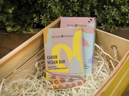 Шоколад ™  Роял Форест  CAROB VEGAN  BAR Абрикос,урбеч из абрикосовых косточек  50 г. - фото 7607