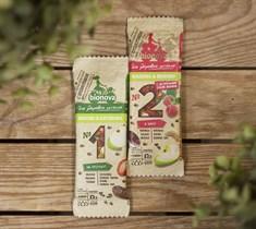 Батончики ™  Bionova  фруктово-ореховый с яблоком и клубникой 35 гр.