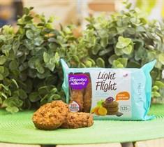 Печенье сдобное  ™  Light Flight  со злаками, изюмом и морковью, 125 гр